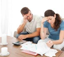Czyżona odpowiada zadługi męża? Odpowiedzialność zadługi małżonka