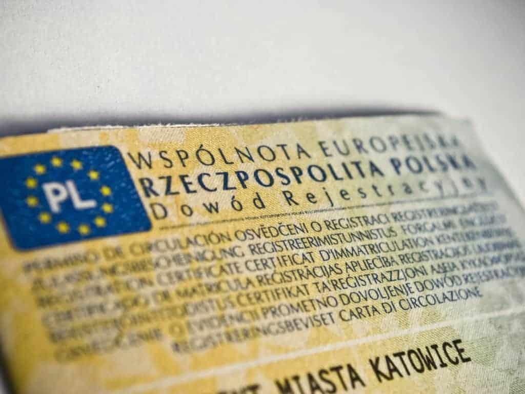 Wymiana i odbiór dowodu rejestracyjnego + koszty rejestracji (instrukcja krok po kroku)