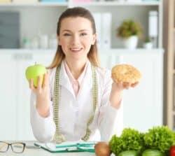 Ile zarabia dietetyk?