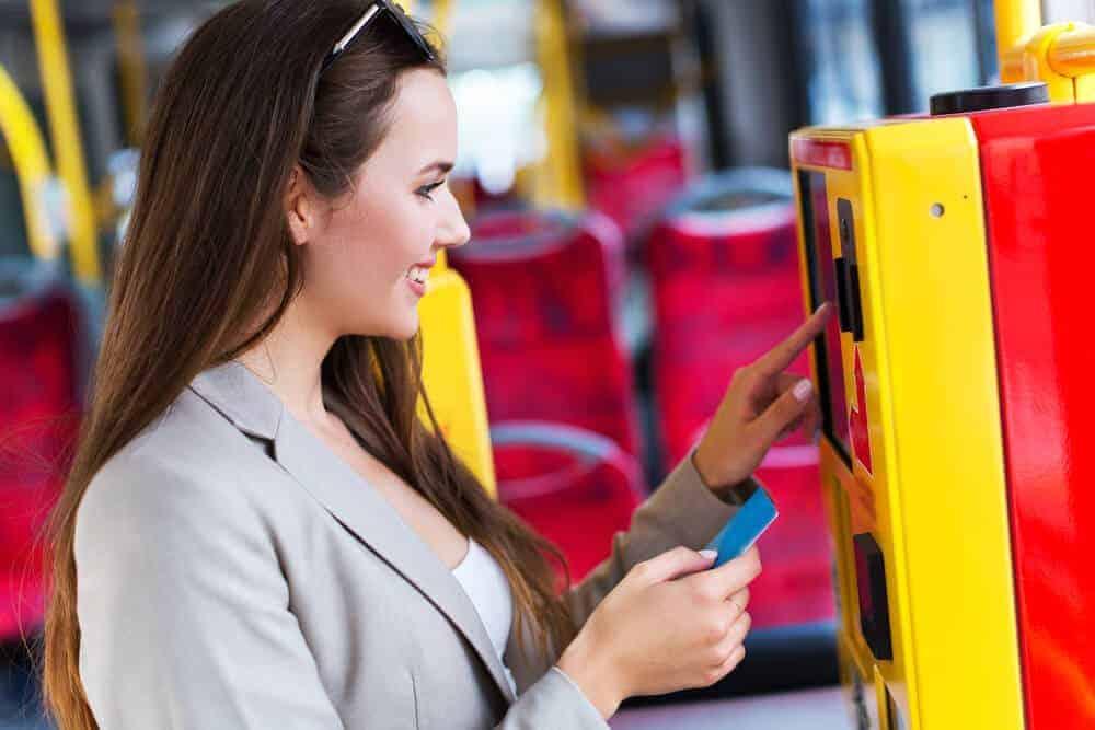 Jak oszczędzać na komunikacji miejskiej?