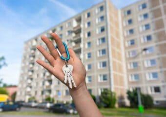Naco uważać, wynajmując komuś mieszkanie? Poradnik dla wynajmującego