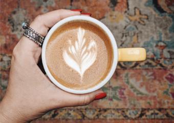 Utopione pieniądze, czyli efekt latte