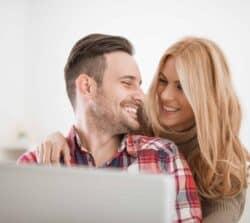 Wspólne konto bankowe – rachunek dla małżeństw, par lub dwojga