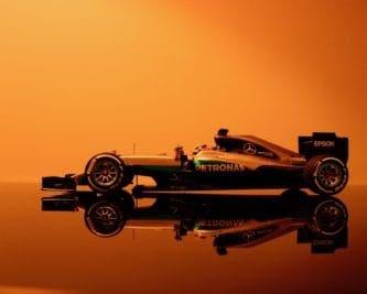 Ile kosztuje bolid F1? Cena, prędkość i liczby powalają!