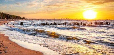 Ile kosztują wakacje nad polskim morzem?
