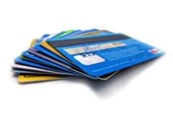 Karty płatnicze – czym są ijak znich korzystać