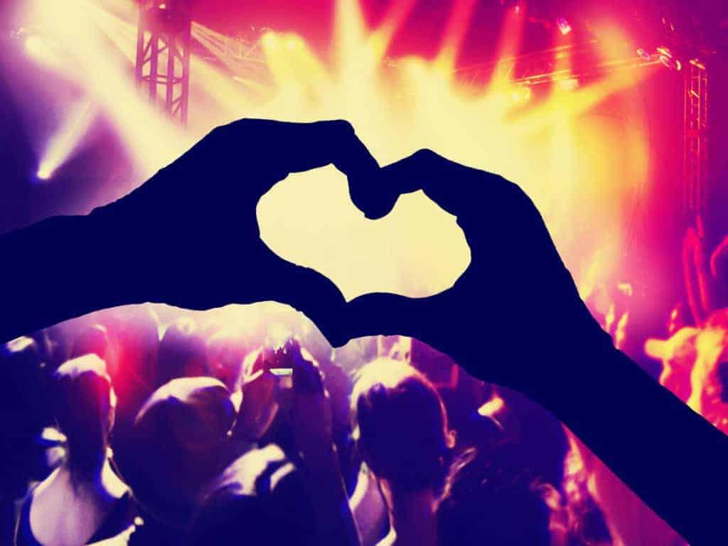 Zgarnij bilety w przedsprzedaży na koncerty w serwisie Live Nation z kartą Citi Cimplicity