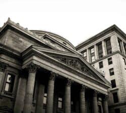 Wjakim banku założyć konto? 10 pytań, które ułatwią decyzję