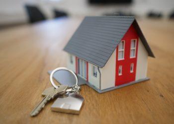 Sprzedaż mieszkania z kredytem i hipoteką – o czym warto wiedzieć?