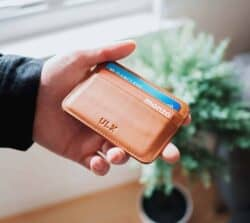 Rodzaje kart płatniczych – czym się odsiebie różnią?