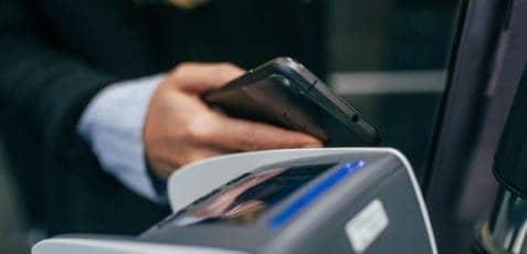 Jak działają płatności w technologii HCE?