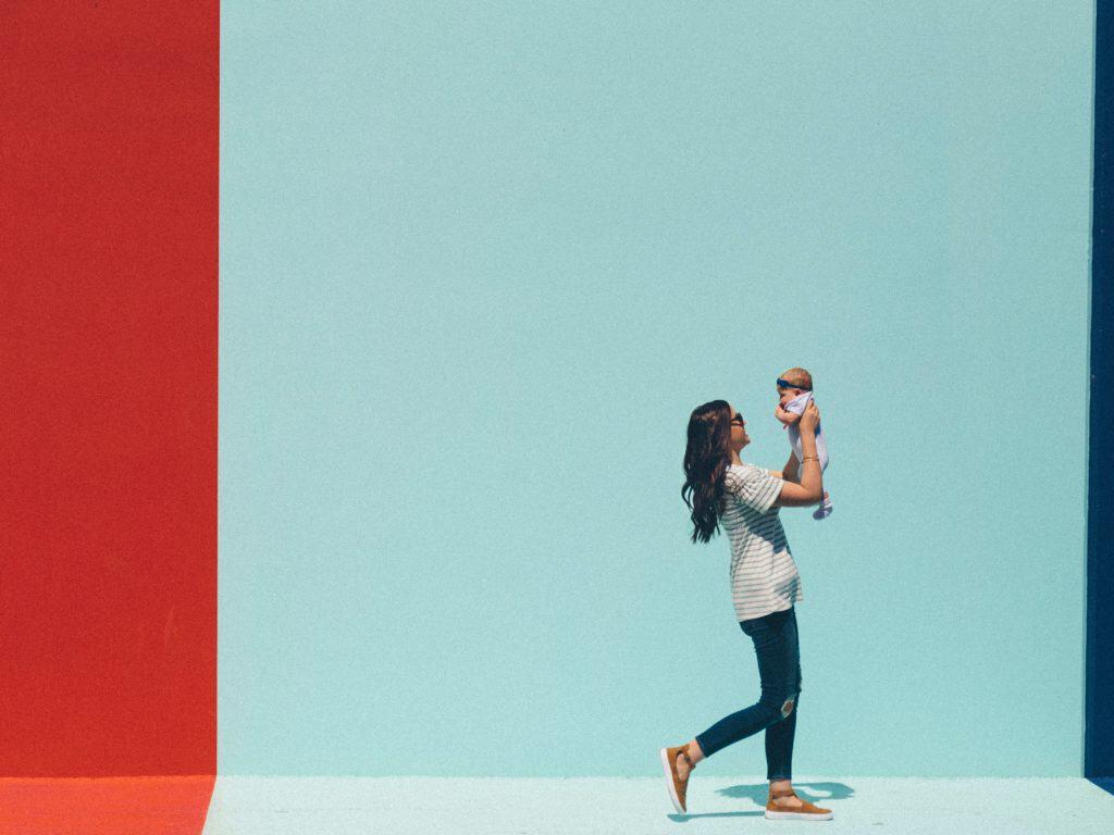 Praca dla mam w domu – 16 sposobów na dodatkowy zarobek