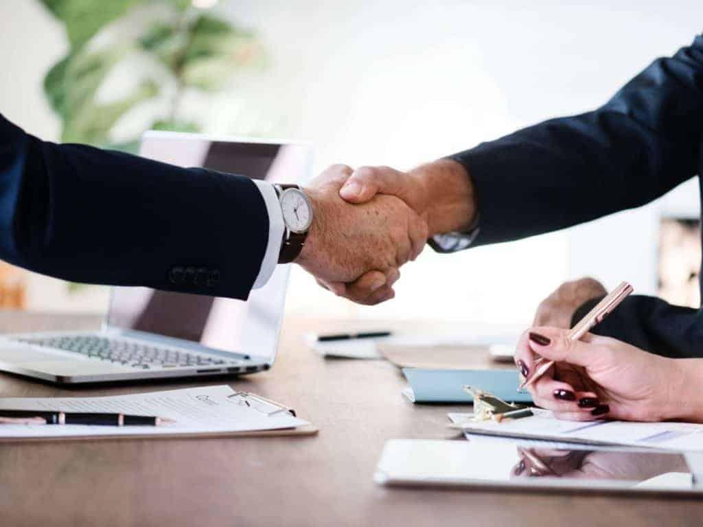 Na czym polega kredyt konsolidacyjny i czy warto z niego skorzystać?