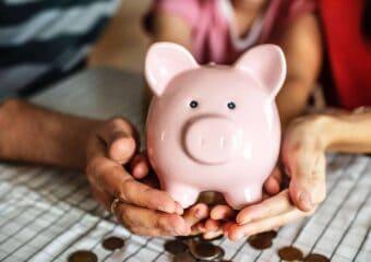 Co się bardziej opłaca – lokata czykonto oszczędnościowe?