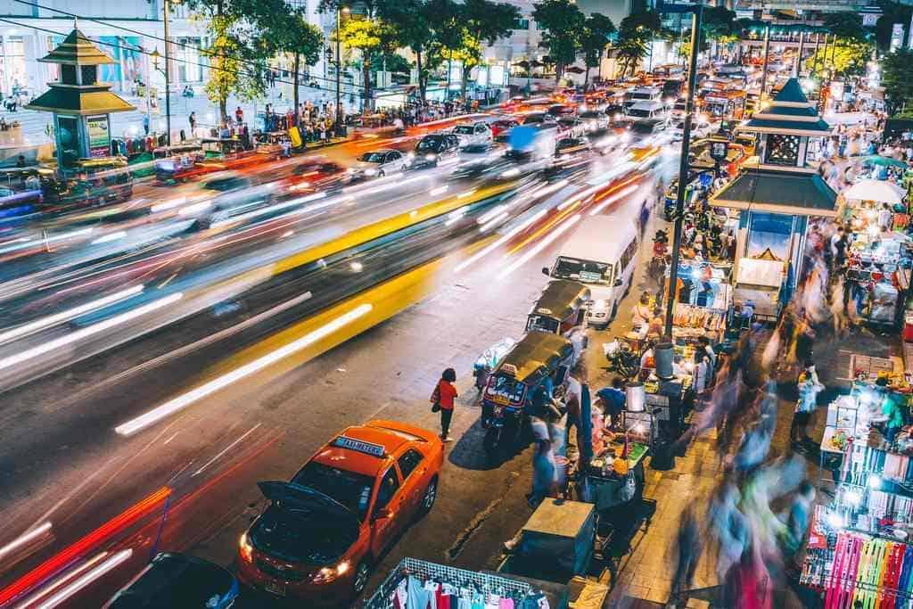 zakorkowana ulica w Bangkoku