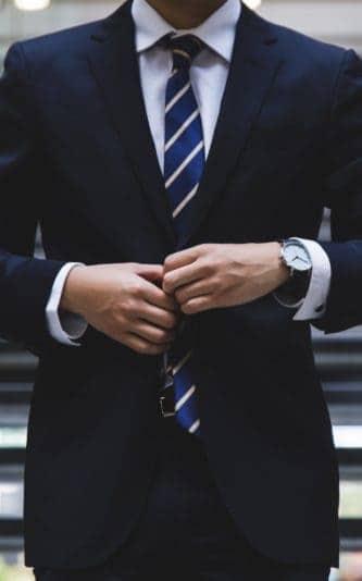 Ile zarabia prezes, dyrektor oraz doradca klienta w banku?